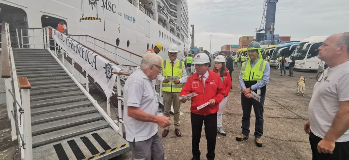 """Crucero """"MSC Magnífica"""" debutó en Arica con tres mil personas: Salud descartó presencia de coronavirus"""